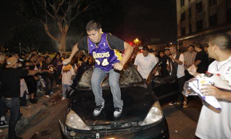 Los-Angeles-Lakers-001