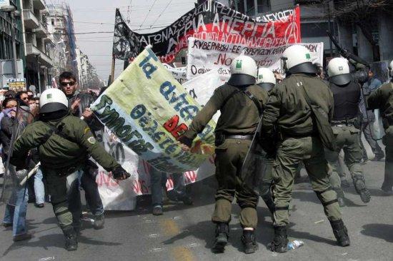 Dansons tous le sirtaki sur les cendre du capitalisme. (4) 0207490555085
