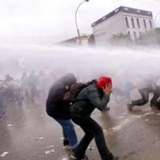 1 Mai : affrontements à Santiago du Chili (2/3)