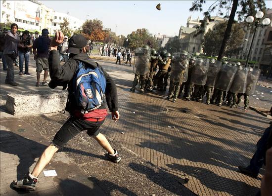 1 Mai : affrontements à Santiago du Chili (3/3)