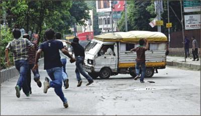 affrontements dhaka lors de la gr ve g n rale juin 2010 anthropologie du pr sent. Black Bedroom Furniture Sets. Home Design Ideas