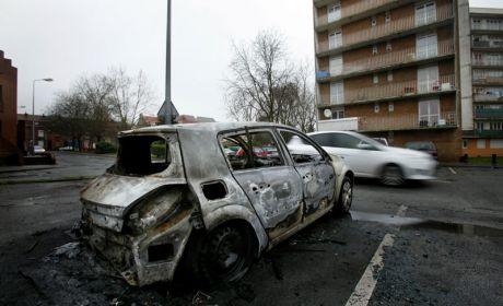 Saint-Sylvestre : voitures brûlées malgré l'omerta ministérielle ? – 1 janvier 2012 (4/6)