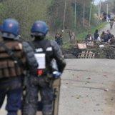 affrontements-entre-forces-de-l-ordre-et-manifestants-sur-le_561731_510x255