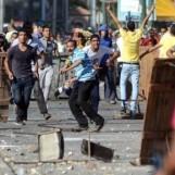 7763424761_les-opposants-et-les-soutiens-de-mohamed-morsi-se-sont-opposes-vendredi-26-juillet-2013-en-egypte