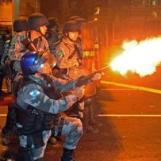bresil-heurts-entre-policiers-et-manifestants-pres-du-stade-maracana-de-rio_i160540