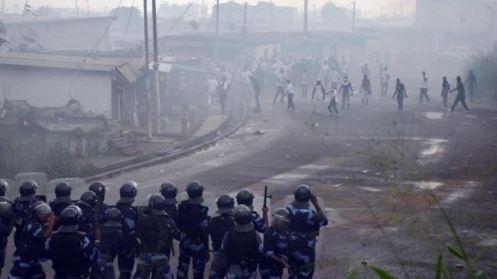 391153_Gabon-Libreville-protest