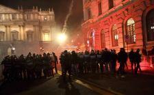 scala_anarchici_alla_prima_scontri_con_polizia_a_milano-0-0-426634