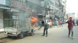 la-fg-protests-bangladesh-20150105-001